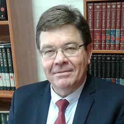 Dr. Lourens Erasmus